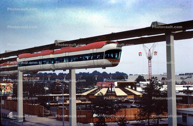 AMF Monorail, Hanging Tram, aerial train, New York Worlds Fair, 1964, 1960s