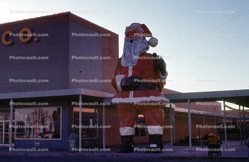 Santa Claus giant, shopping center, buildings, mall