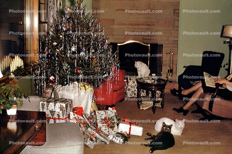 Many Cats, Tinsel Tree, wrapped Presents, fireplace, 1950s