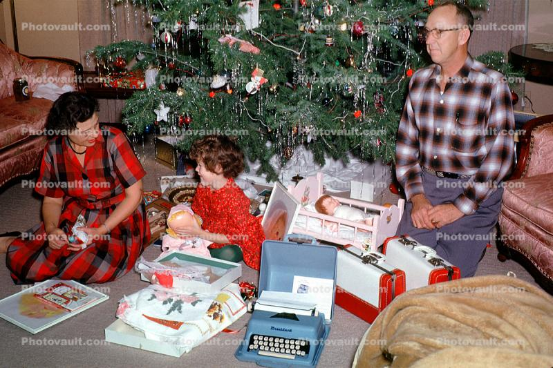 Typewriter, doll, mother, father, woman, girl, Presents, Decorations, Ornaments, 1961, 1960s