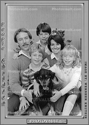 Family Group Portrait with Dog, smiles, brother, sister, siblings, mother father