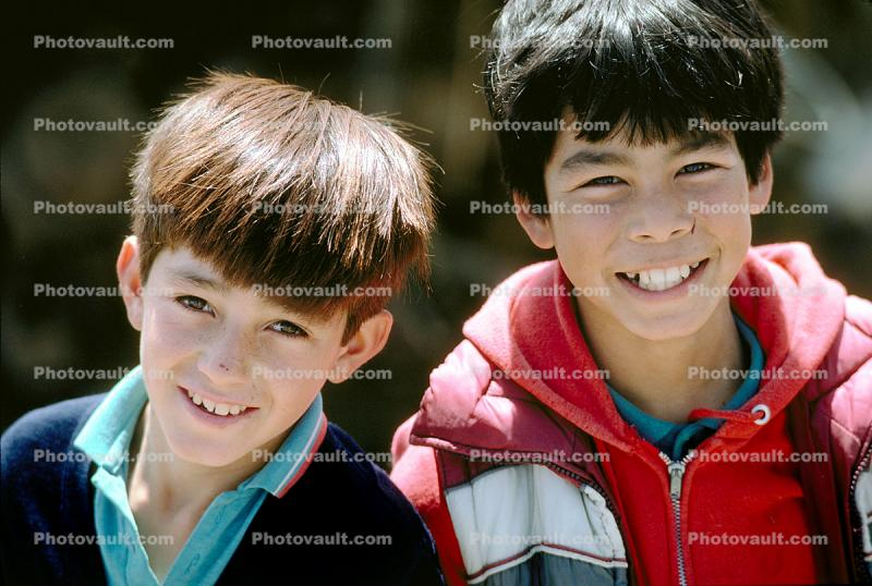 two boys, male, smile, laugh, laughing, smiling, happy, Colonia Flores Magone