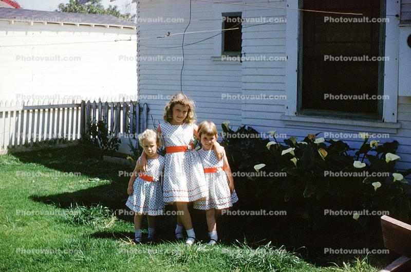 Girls, Sisters, Formal Dress, Springtime, Cala Lillies, Lily, house, home, 1950s