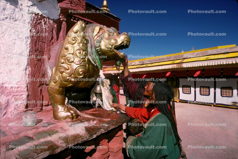 Golden Dragon, Shrine, buildings, people, Lhasa