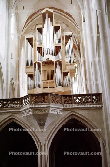 Giant Cathedral Organ, Pipes, Arch, Nurnberg
