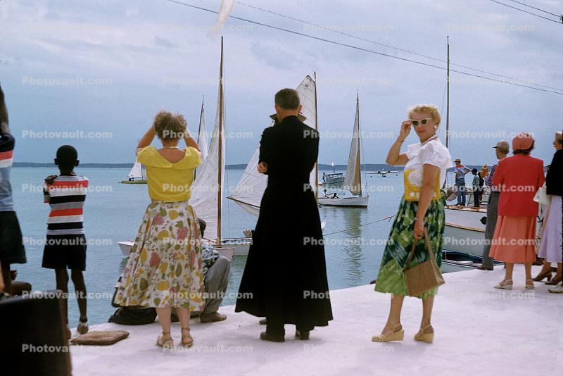 Priest, Ladies, women, dock, retro, 1950's