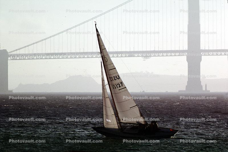 Sailing with the Golden Gate Bridge