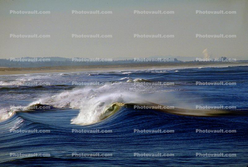Umpqua River Mouth, Spray, Offshore winds