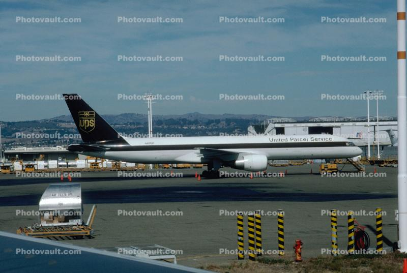 N407UP, UPS 757-24APF, PW2040, PW2000
