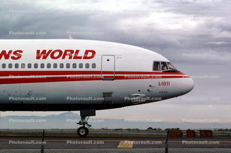 N11003, Trans World Airlines TWA, Lockheed L-1011-1, October 21 1982, 1980's, RB211