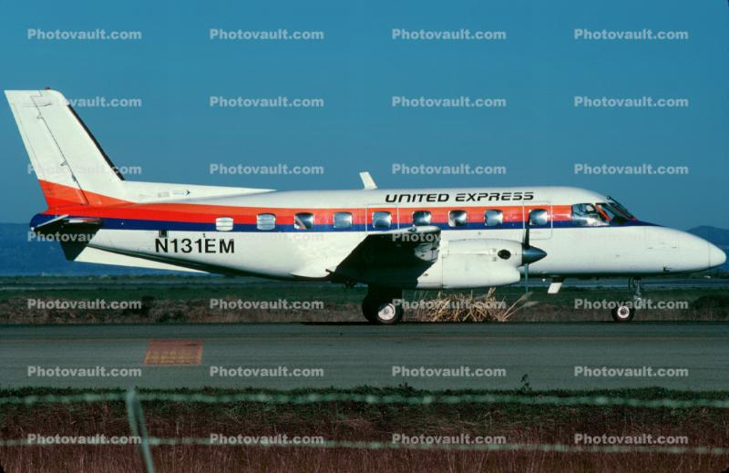 Embraer EMB-110P1 Bandeirante, United Express, Westair Commuter Airlines, N131EM, PT6A