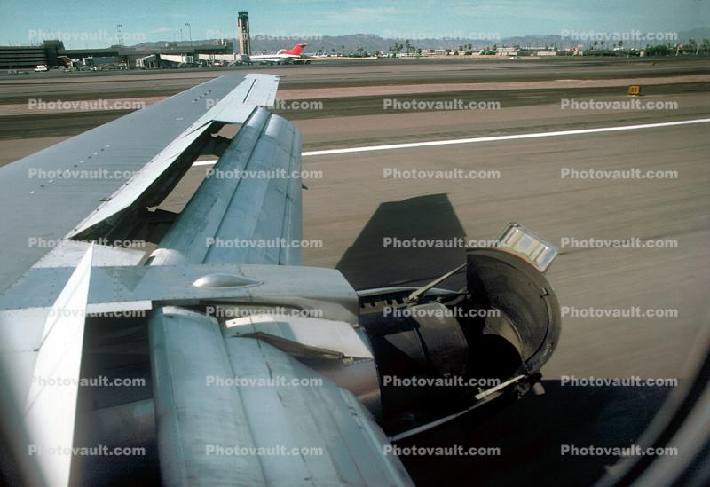 Boeing 737-200 Reverse Thrusters, Lone Wing in Flight