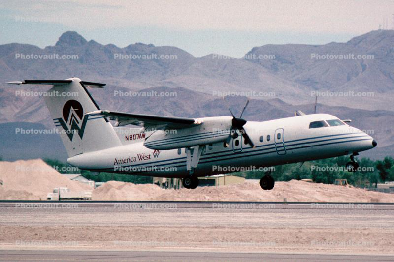 N807AW, De Havilland Canada Dash-8-102, America West Airlines AWE