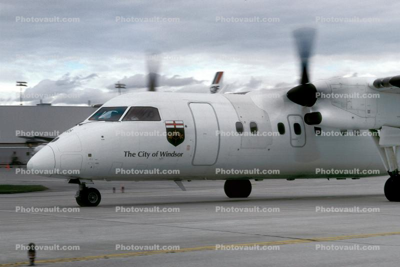 C-GION, de Havilland Canada DHC-8 102, Air Canada ACA, City of Windsor, PW120A