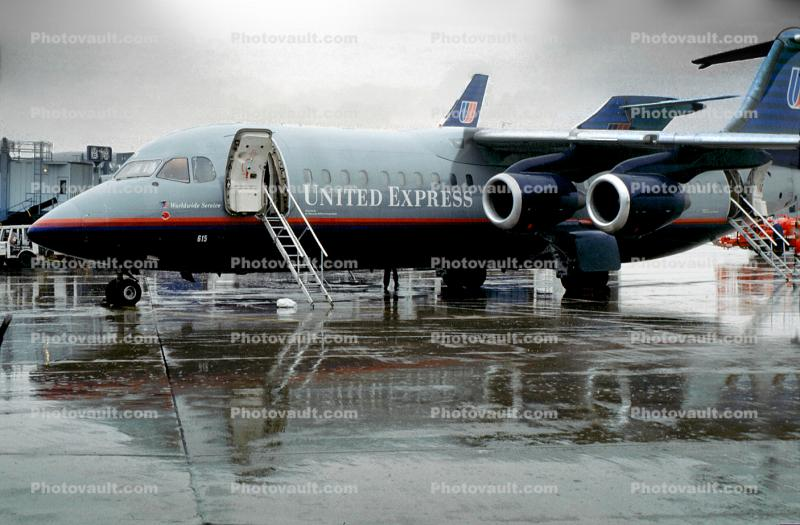 United Express, BAe146-300, (Air Wisconsin AWI), G15