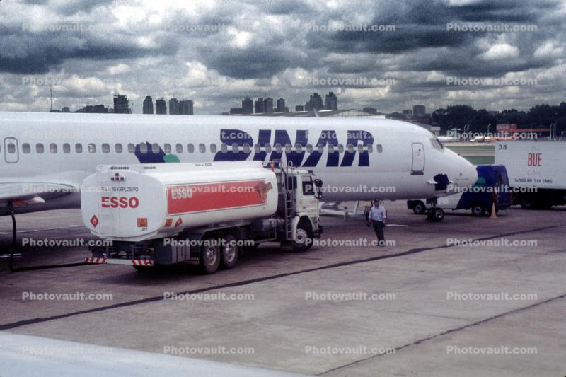 fuel tanker, esso, Douglas DC-9, Jorge Newbery Airport, Argentina, Ground Equipment