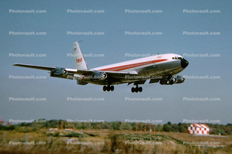 Trans World Airlines TWA, Boeing 707, milestone of flight