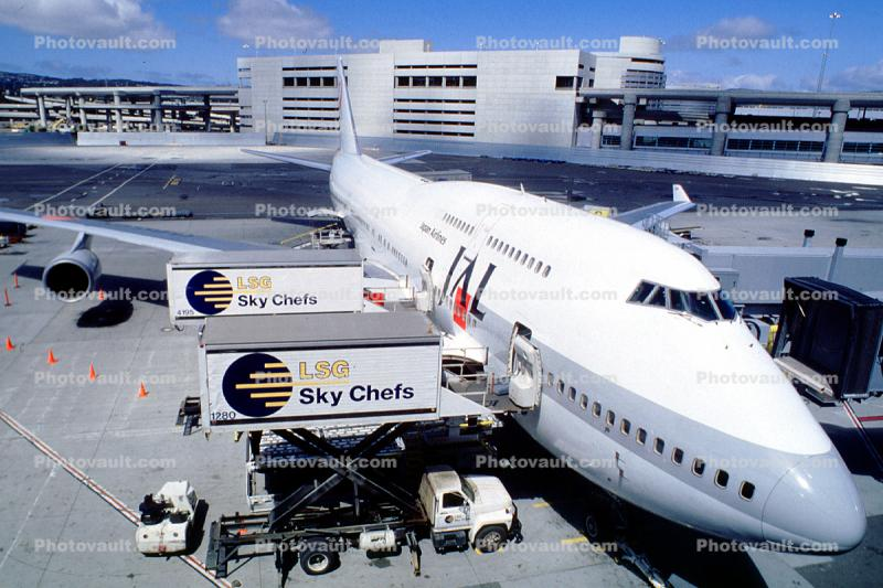 LSG Skychefs, Scissor Lift Trucks, Boeing 747, (SFO), Japan Airlines JAL, Highlift