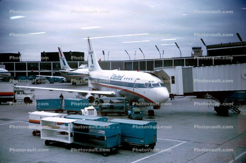 United Airlines UAL, Boeing 737-200, 1974, 1970s