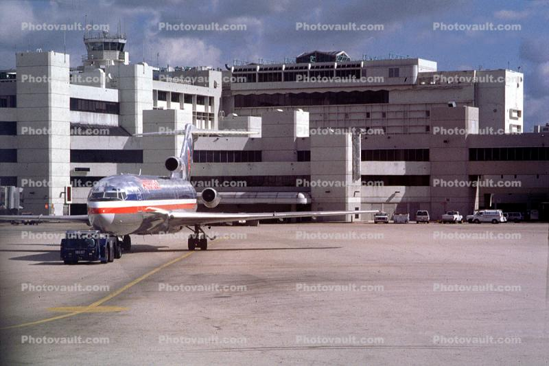 American Airlines AAL, Boeing 727, pushback, pusher tug, terminal, building