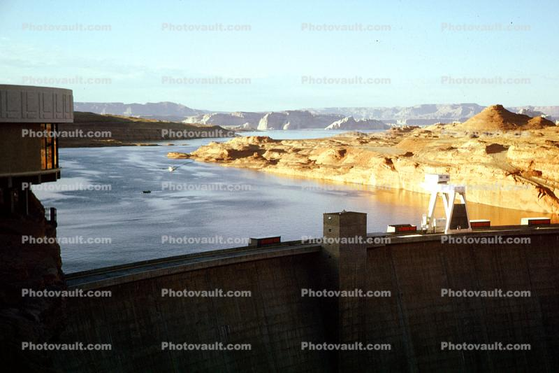 Glen Canyon Dam, Lake Powell, 1950s, Tonalea Coconino County, Arch-gravity dam, Colorado River, Page, Arizona