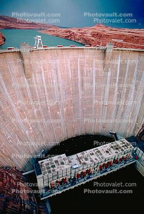 concrete arch-gravity dam, Glen Canyon Dam, Page, Arizona