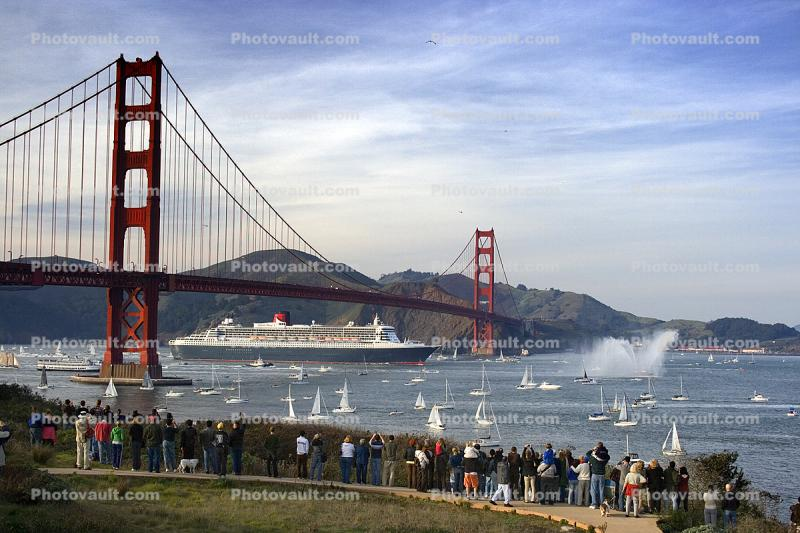 Queen Mary 2, Golden Gate Bridge, IMO: 9241061, Ocean Liner, Cunard Line, Steamship