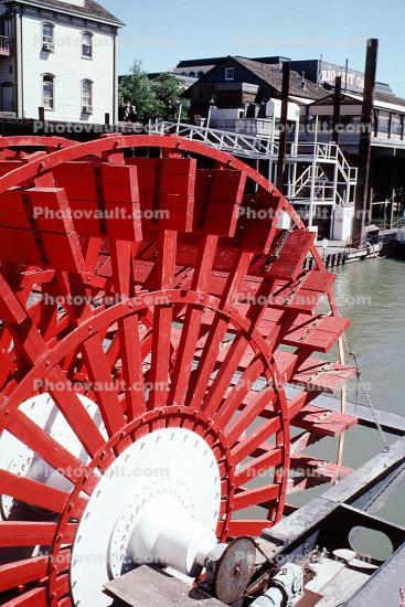 Delta King, paddle wheel steamboat on the Sacramento River