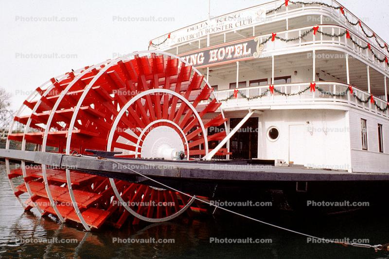 Delta King, paddle wheel steamboat on the Sacramento River, Old Town