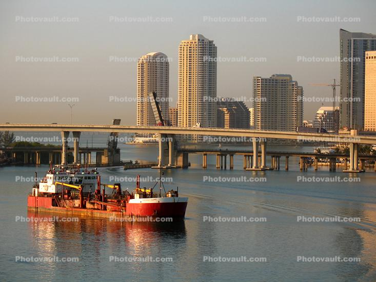 Northerly Island, Trailing Suction Hopper Dredger, Dredge Boat, Port of Miami, Harbor