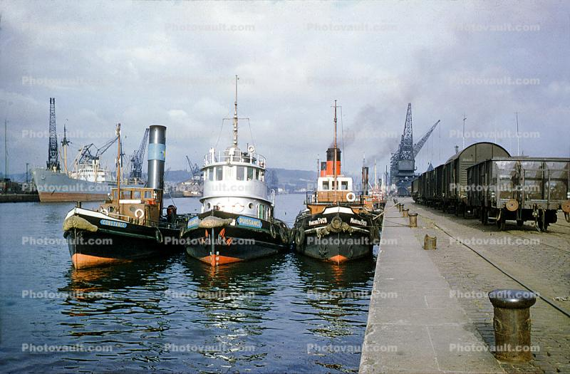Tugboats, River Seine, Constance, Puissance, head-on, towboat, 1955, 1950s
