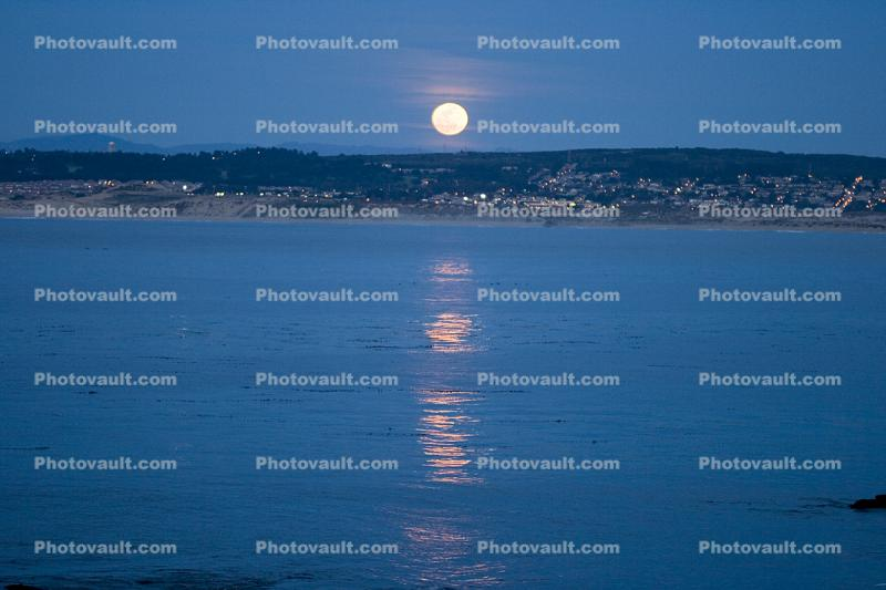 Monterey Bay, Moon Reflection