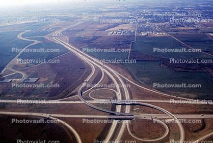 Partial Cloverleaf, Partial Cloverstack interchange, Dallas