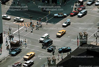Cars, Taxi Cabs, crosswalk, intersection, Michigan Avenue, Chicago