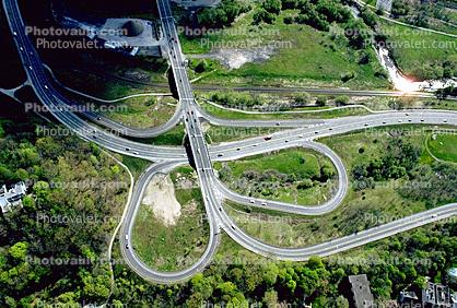 Ribbon, Maze, tangle, overpass, underpass, intersection, interchange, freeway, highway, exit, entrance, entry, onramp, offramp, off ramp, on ramp, on-ramp, off-ramp, railroad track