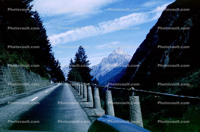 Highway, Road, sharply winding, precipitous ascent, Axenstrasse, Switzerland