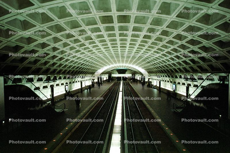 Platform, station, Washington DC Metro, Arch