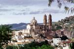 Santa Prisca Cathedral, Cathedral of Taxco, Taxco, Guerrero, Hillside, Houses, Homes, CBMV04P11_03