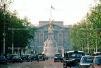 Queen Victoria Memorial, London, Taxi Cabs, Buckingham Palace, CEEV02P09_08