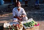Grapes, Apples, Smiling Man, vendor, fruit, Male, Mumbai, FGAV01P02_16