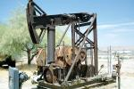 Taft, Pumpjack, also known as nodding donkeys, pumping units, horsehead pumps, beam pumps, sucker rod pumps (SRP), grasshopper pumps, thirsty birds and jack pumps, IPOV03P12_18