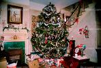 Decorated Tree, presents, living room, PHCV01P04_19