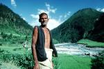 Nepal, Man, Male, Guy, Araniko Highway, la Bothe-Kosi river, PORV08P10_15
