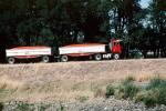 Tomatoes, farm products bulk carrier, Panella, International, Tomato Truck, Sacramento River Delta, VCTV01P13_13
