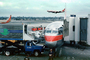 Boeing 737, US Airways, Catering Truck, Scissorlift, jetway, Airbridge