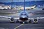 United Airlines UAL, Boeing 737, San Francisco International Airport (SFO), head-on